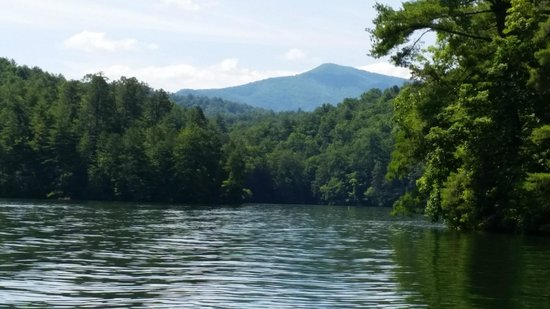 Historic Tapoco Lodge Resort: Our Lake Santeelah boating trip