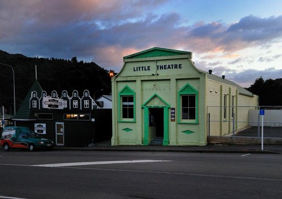 Picton Top 10 : The Little Theater where the authors met.