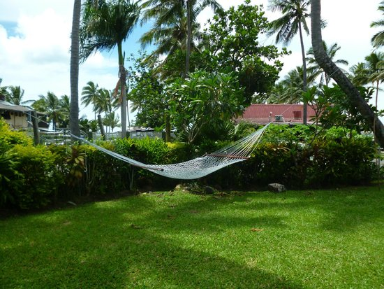 Travellers Beach Resort: Hammocks hung from palm trees