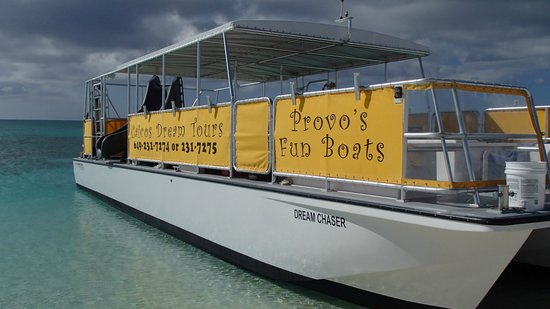 Caicos Dream Tours : Docked on our last island stop.