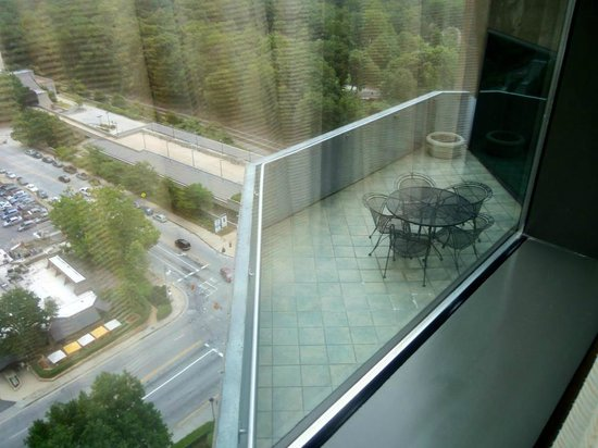 JW Marriott Atlanta Buckhead: Oh A Balcony!