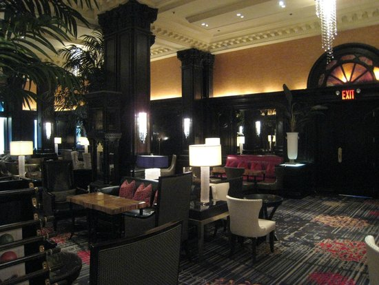 The Algonquin Hotel Times Square, Autograph Collection : Lobby/lounge on the ground floor