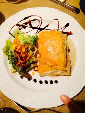 El Duende: Hojaldre con foie, setas y queso de cabra.