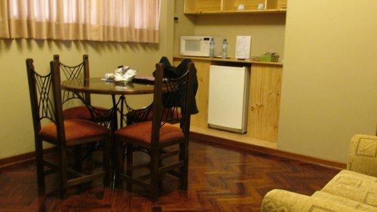 Suites Larco 656 : vista del departamento (habitación 401)