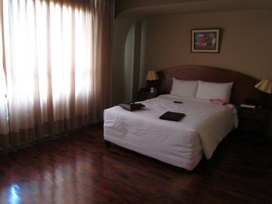 Suites Larco 656 : habtación