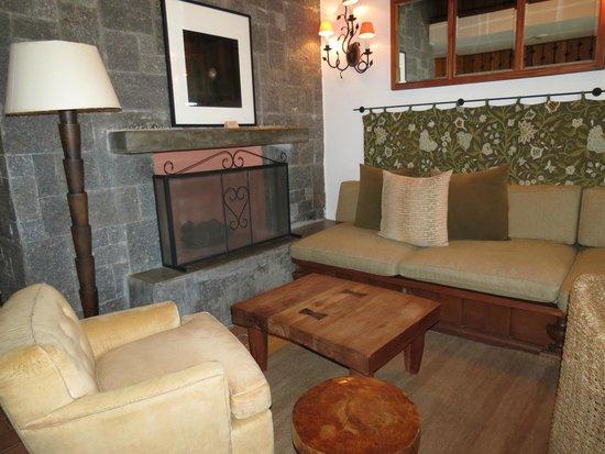 Carmelo Resort & Spa, the Unbound Collection by Hyatt: Hermoso living en la planta baja