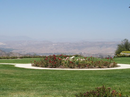 Ronald Reagan Presidential Library and Museum: White House Rose Garden replica donated by Merv Griffin