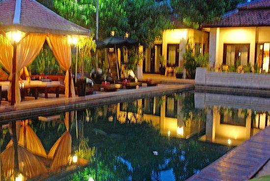 The Sanctuary Villa : The pool veiw