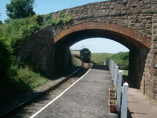 Somerset & Dorset Railway Museum: Train coming into Doniford Station