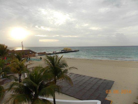 Playacar Palace: Llegada de los Ferry