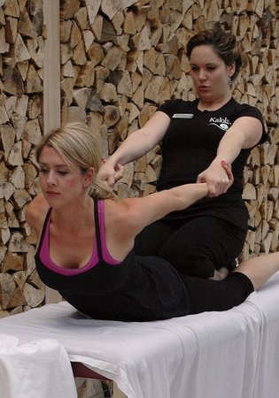 Kalola Boutique & Spa: Open Air Thai Yoga Massage