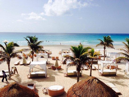 Sunset Royal Beach Resort: Beach