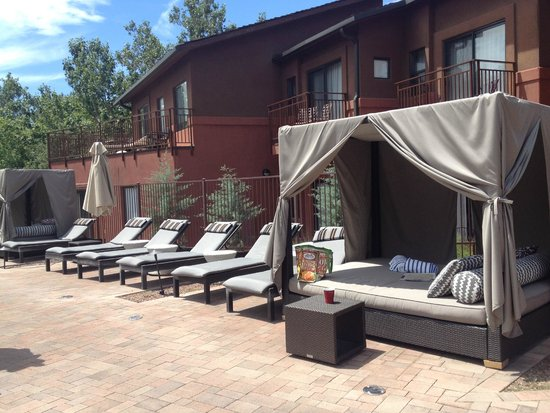 Kimpton Amara Resort & Spa : amazing cabanas by the pool
