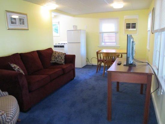Seahorse Resort: B Cottage 66 Nicely remodeled