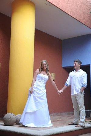 Casa de los Suenos: Wedding bells!