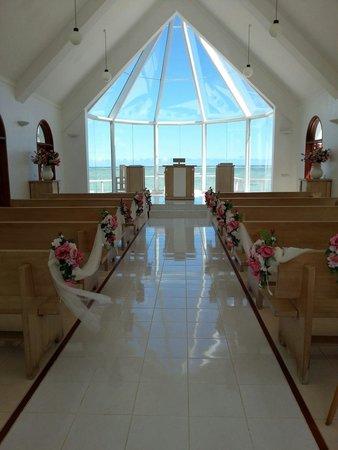 Shangri-La's Fijian Resort & Spa: Stunning chapel at shangri-la