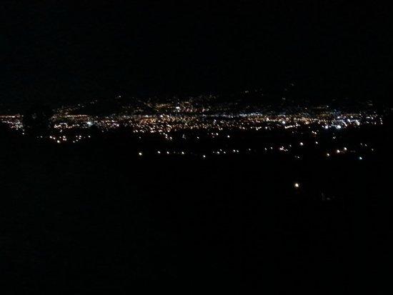 Hotel Monte Campana: Vista Nocturna