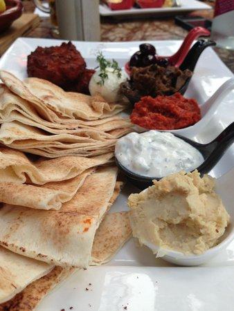 Cafe Fez: Mezze platter