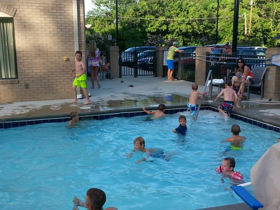 Holiday Inn Express & Suites Oak Ridge : nice pool