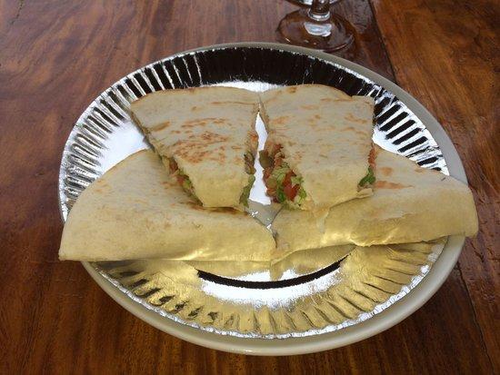 Los Guapos Restaurant : Quesadilla