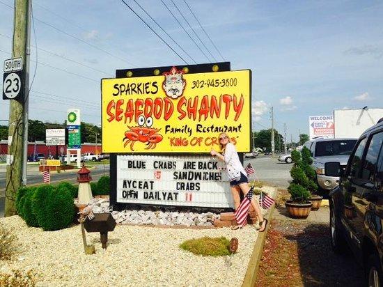 Sparkie's Seafood Shanty: Outside