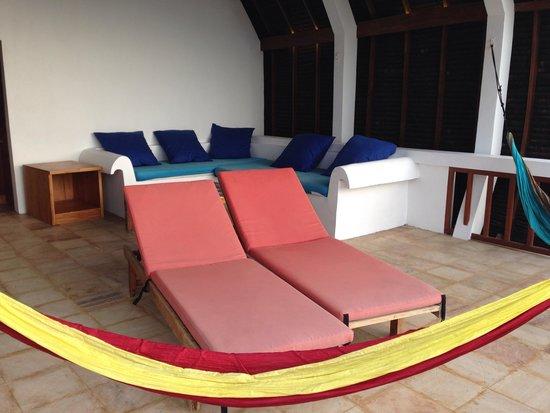 Sunrise Resort: Upstairs lounge