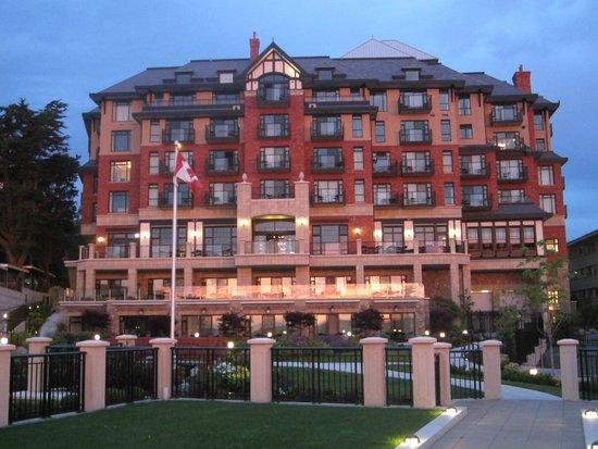 Oak Bay Beach Hotel: View of hotel ...