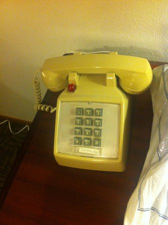 Westcliff Lodge: An old phone!