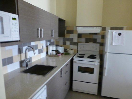 Le Square Phillips Hotel & Suites : Kitchen 2
