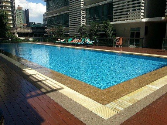 PARKROYAL Serviced Suites Kuala Lumpur : Pool Area