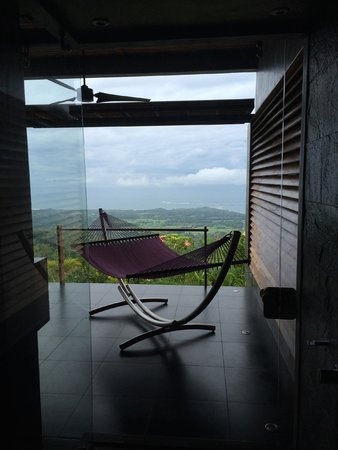 Kura Design Villas Uvita: View from Open Shower