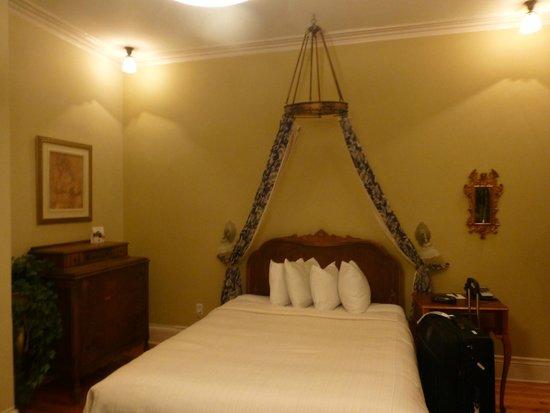 Hotel Acadia : Bed