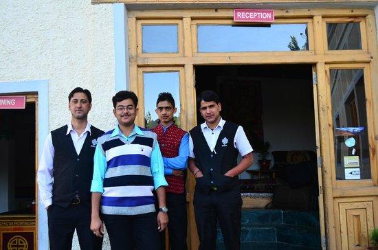 Mahey Retreat: Friendly Staffs