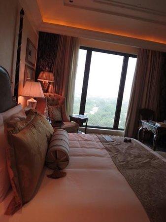 The Leela Palace New Delhi: The room