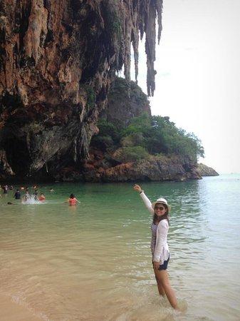 PhraNang Cave Beach : มุมนี้สวยคะ