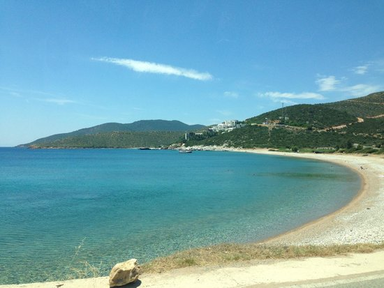 Kempinski Hotel Barbaros Bay: View of approach to hotel from road