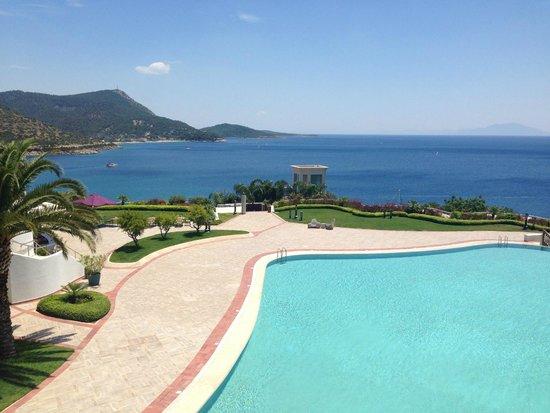 Kempinski Hotel Barbaros Bay: Pool area