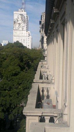 Hotel De La Ville: Vista a edificio MOP