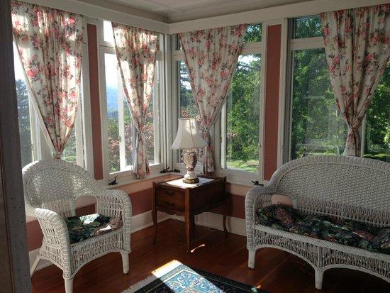 Idlwilde Inn : Sunroom (Room 6)