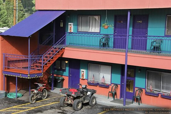 Wonderful, rIch colored hues make a statement at the Triangle Motel.