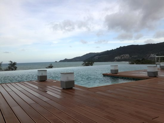 The Charm Resort Phuket: rooftop pool