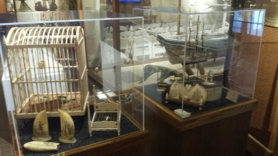 Whalers Village Museum: Whaling artifacts