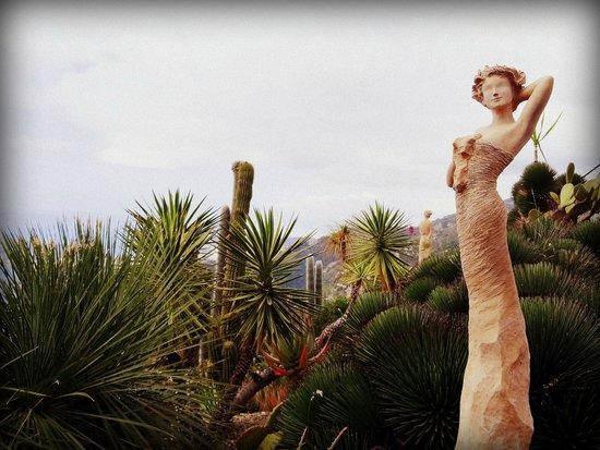 Statue - Photo de Le Jardin exotique d\'Eze, Èze - TripAdvisor
