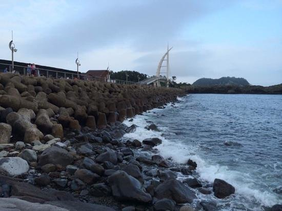 Jeju Ocean Palace Hotel : Walk to the port