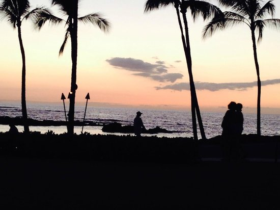 Fairmont Orchid, Hawaii: Sunset at the Fairmont Orchid