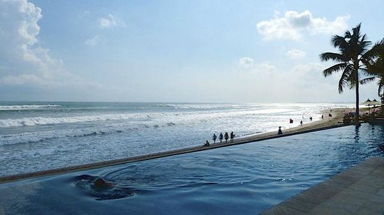 The Legian Bali: Adults only Infinity pool.