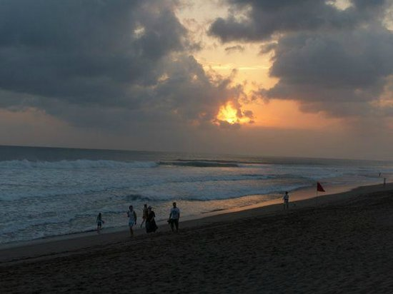 The Legian Bali: Spectacular sunsets.