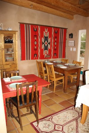 Casa Escondida Bed & Breakfast: The Breakfast Area