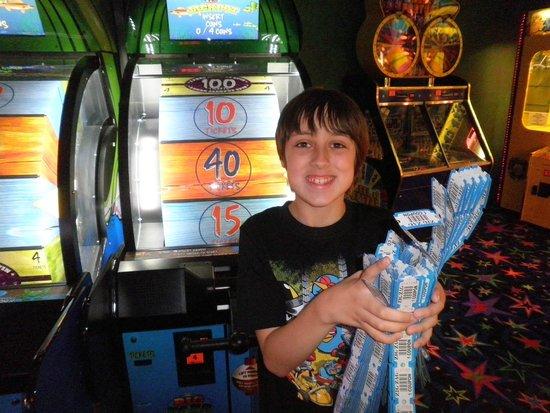 Deerhurst Resort: Winning in Arcade Room