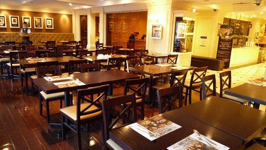Hotel Skypark Myeongdong I: Dining area